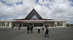 Bandara Udara Mathilda Batlayeri, Saumlaki, Maluku Tenggara Barat.