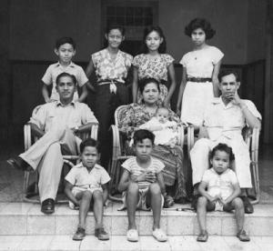 leimena keluarga2