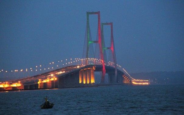 gambar-jembatan-suramadu-wisatanesia.co