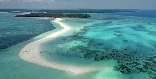 Wisata Ke Pantai Purpura