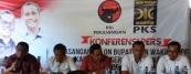 INA AMA.  Samson Atapary (kedua kanan) sebagai Calon Bupati dan M Suhfi Majid (kanan) sebagai Calon Walil Bupati Kabupaten Seram Bagian Barat (SBB) Periode 2017 - 2022, menyatakan kesiapan mereka untuk bertarung dalam Pilkada SBB, saat konferensi pers Koalisi Partai Demokrasi Indonesia Perjuangan (PDIP) - Partai Keadilan Sejahtera (PKS), dengan memgusung nam INA AMA, di Ambon, Senin (20/9) - emsal